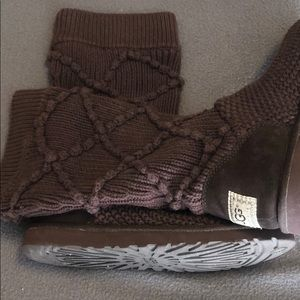 Brown Sweater UGG boots